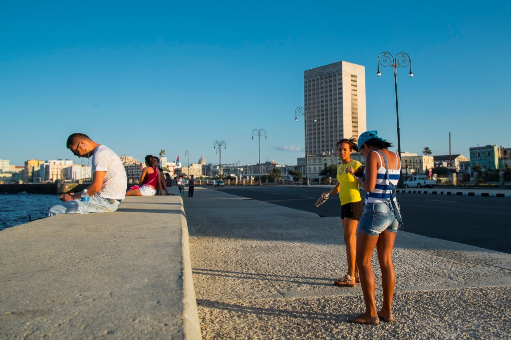 On the Malecon strut  ©Richard Crawford